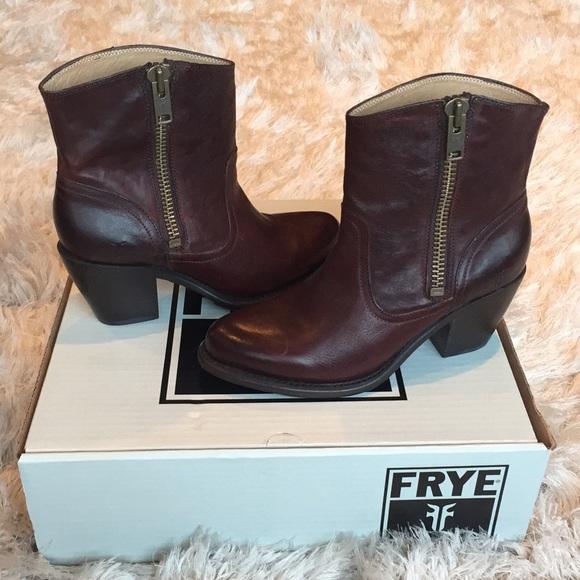 30d3c33661 Frye Shoes -    FLASH SALE    Frye ✨ Leslie Zip Bootie